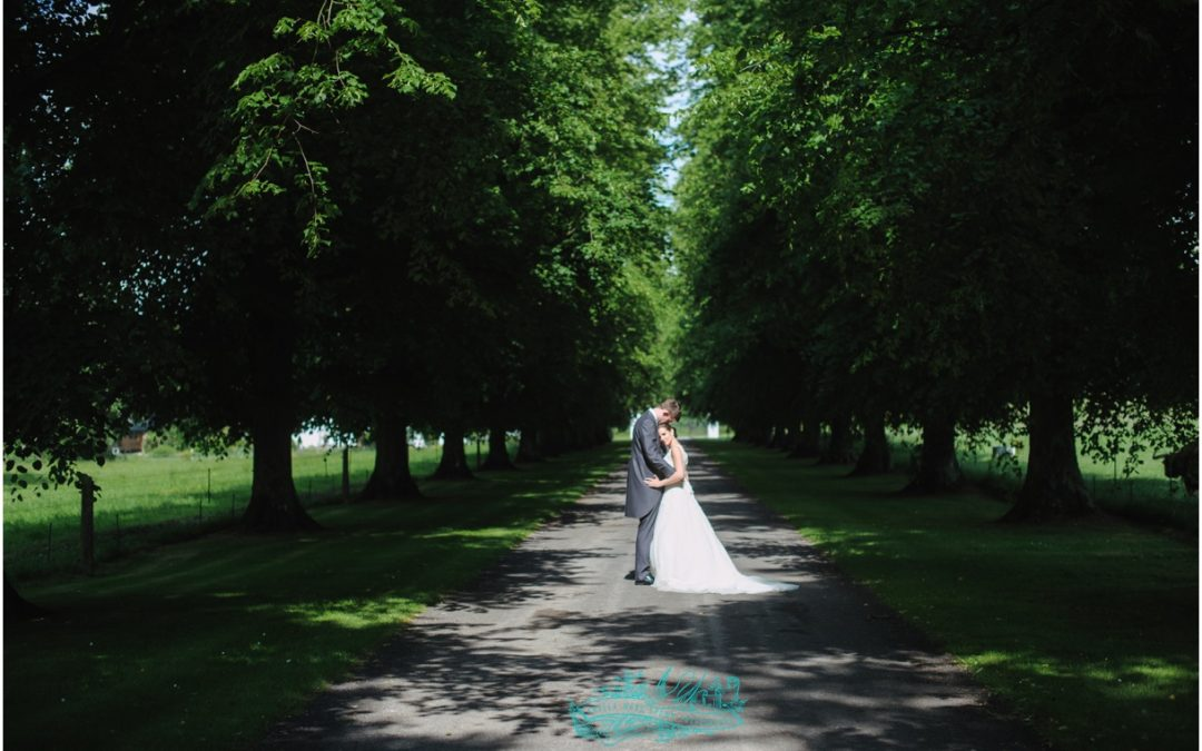 Avington Park wedding photographer: Becky & Oli Got Married!