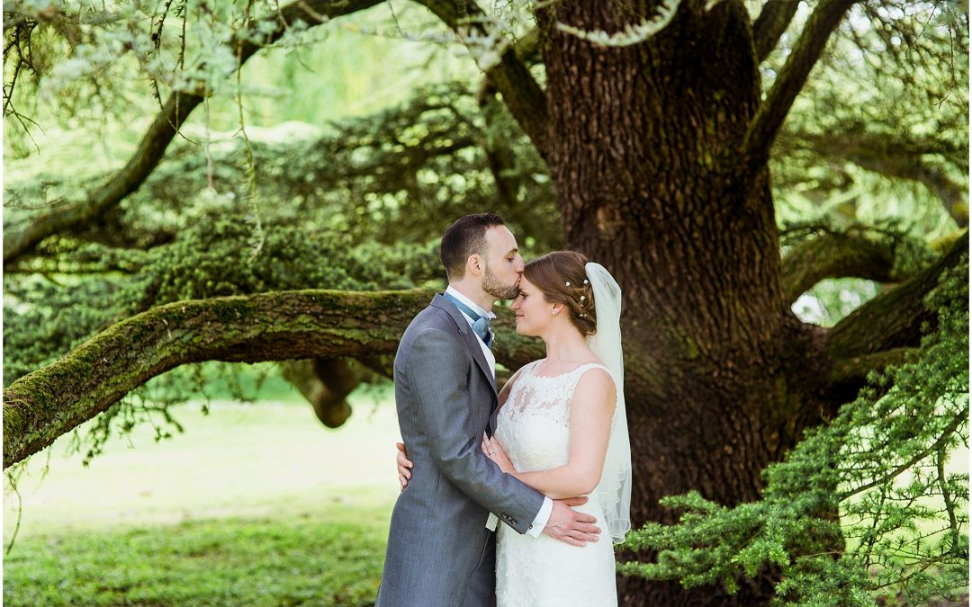 Amy & Tom's sunny Hampshire wedding