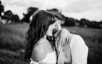 Georgia & Josh's beautiful Cotswold Farm wedding