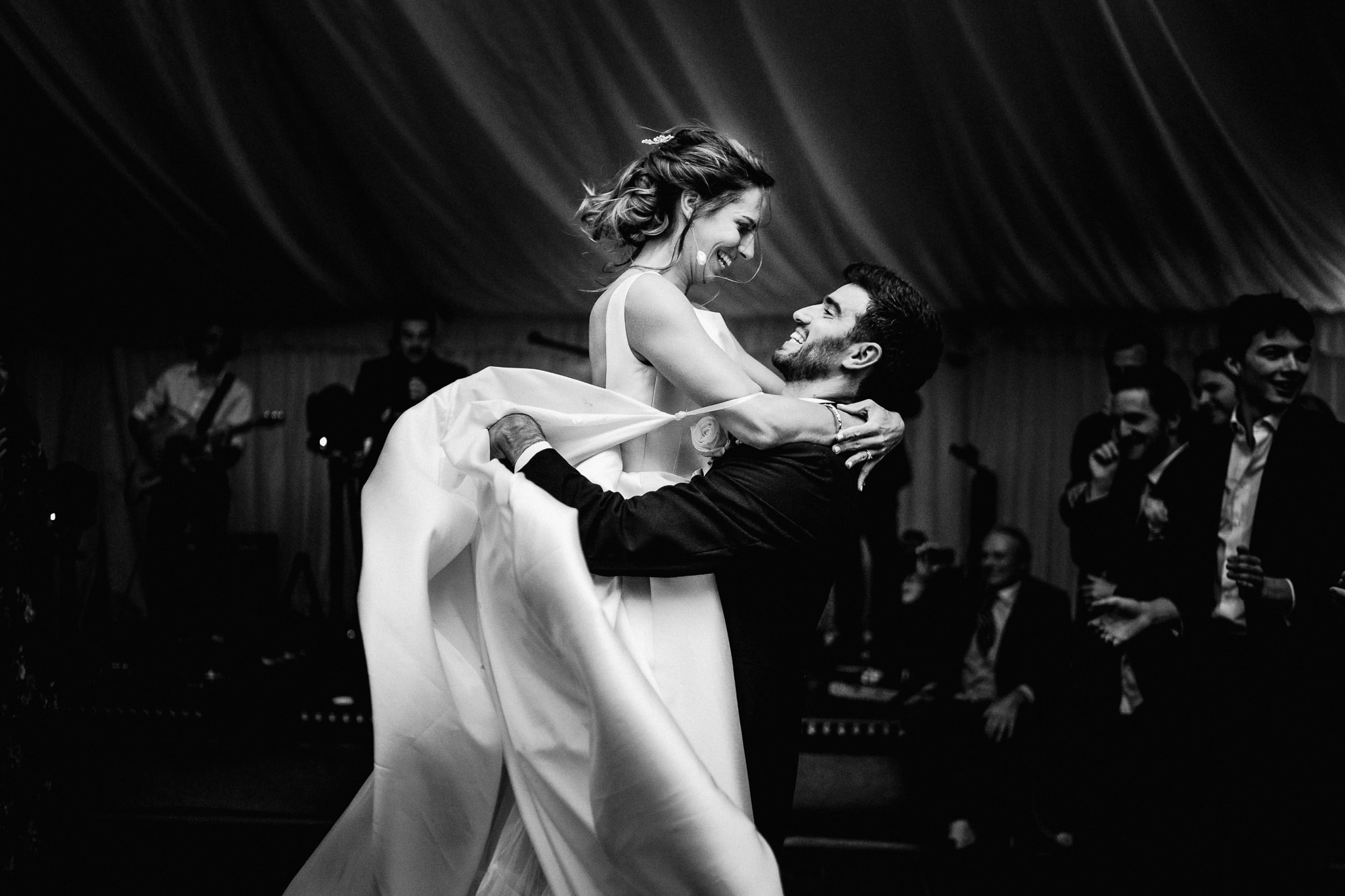 Wiltshire wedding first dance